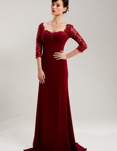42.1.vestido-largo-rojo-bordado-brazos-del