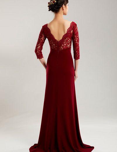 42.vestido-largo-rojo-bordado-brazos-esp