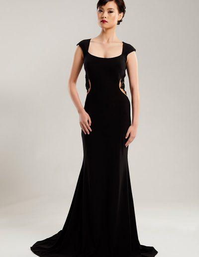 44.1.vestido-largo-negro-corte-sirena-detalle-pedreria-costado-del