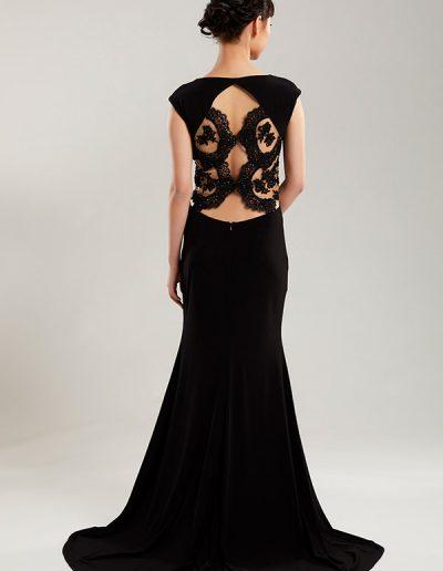 44.vestido-largo-negro-corte-sirena-detalle-pedreria-costado-esp
