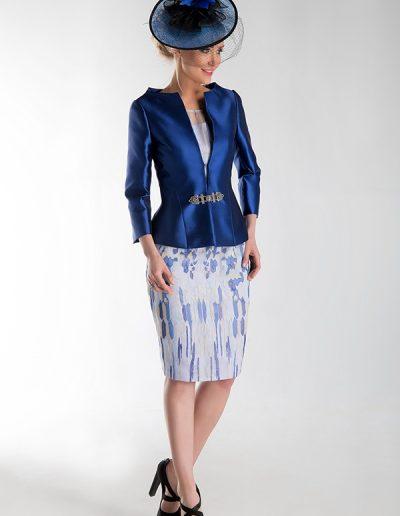 traje-chaqueta-azul-eléctrico