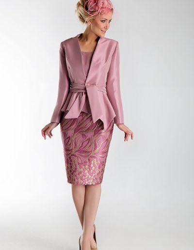 traje-chaqueta-rosa-lila