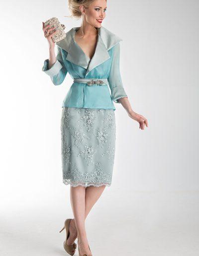 traje-chaqueta-turquesa