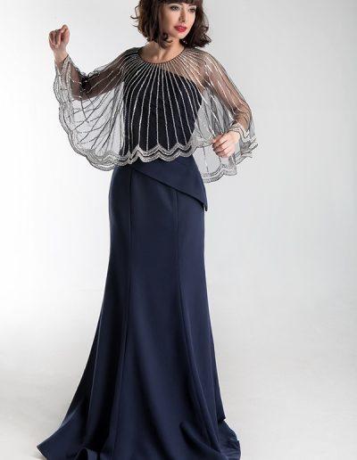 vestido-azul-marino-con-capa-pedreria