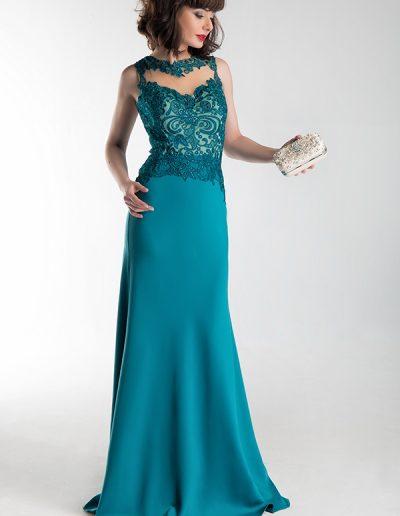 vestido-largo-verde-pavo-cuerpo-pedreria