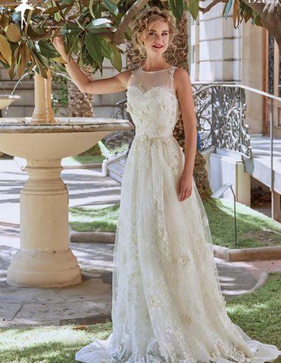 Vestido de novia con flor 3D