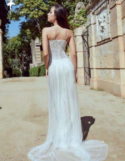 Vestido de novia bordado de pedrería