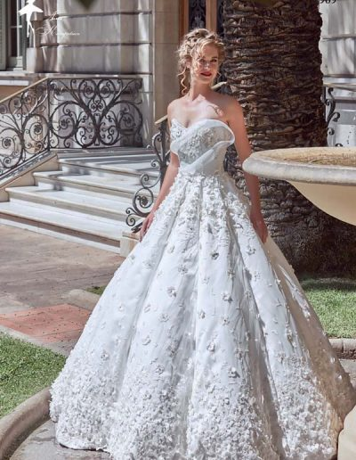 Vestido de novia con falda tipo campana